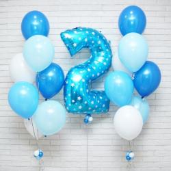 Композиция из шаров голубого цвета для мальчика на День рождения
